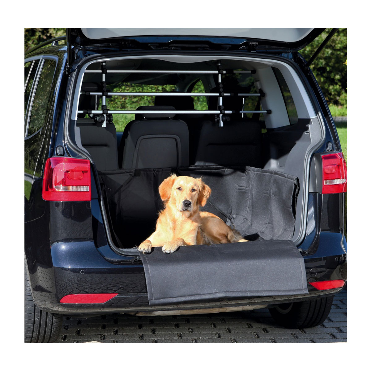 trixie kofferraum schondecke mit sto stangenschutz hundedecke autodecke. Black Bedroom Furniture Sets. Home Design Ideas