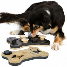 Trixie Hundespielzeug Dog Activity Game Bone